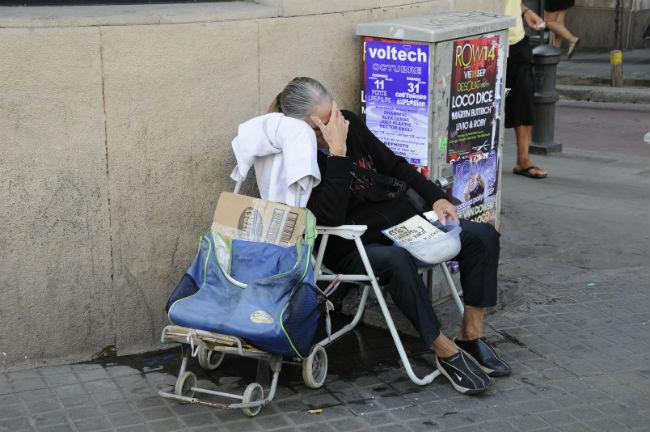 persones amb pobresa que dormen al carrer
