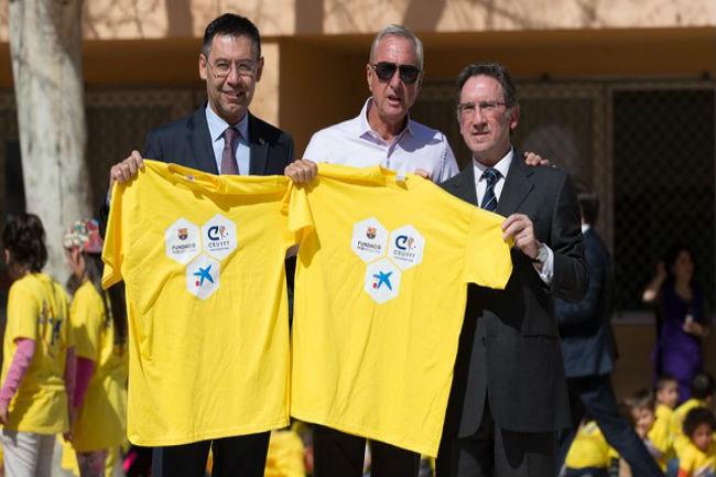 Johan Cruyff i el FC Barcelona van signaruna última aliança per fomentar l'esport infantil