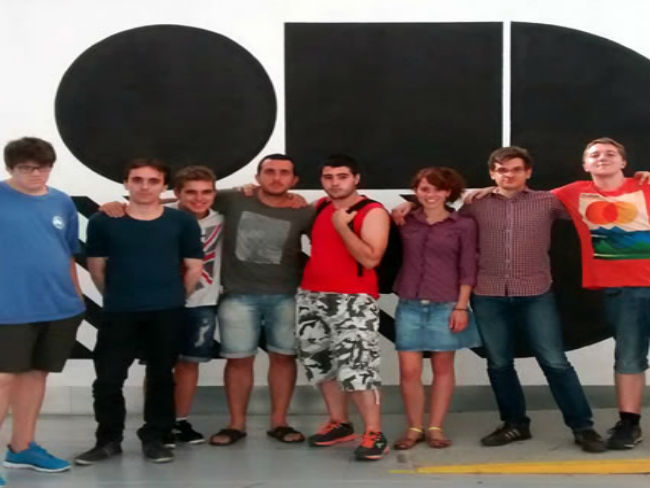 El grup els YaMekars són els realitzadors del projecte // Foto: Imatge cedida per Fundació Friends