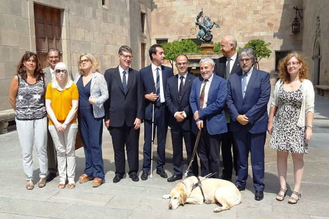 La Generalitat i l'ONCE signen un conveni a favor de la inclusió de les persones amb discapacitat