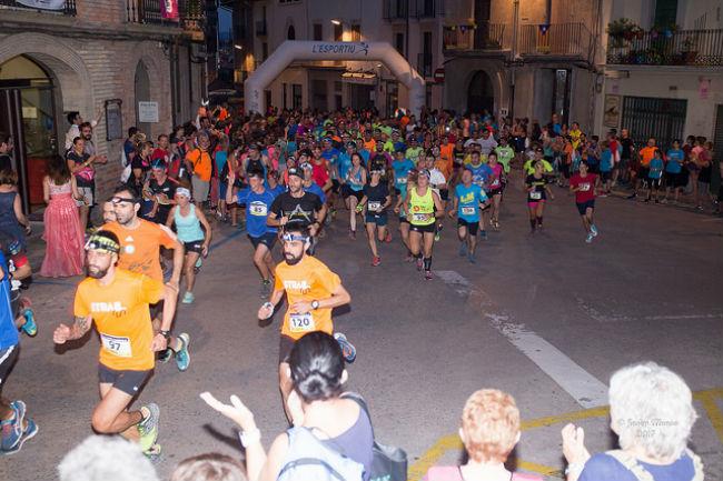 La 4a edició de la cursa nocturna solidària La Somnàmbula aplega més de 400 participants