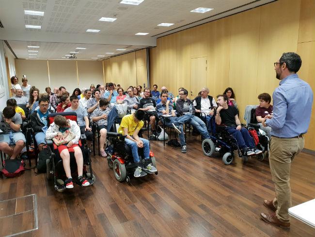 Èxit d'assistència a la conferència per millorar la gestió de les xarxes socials de persones amb discapacitat intel·lectual