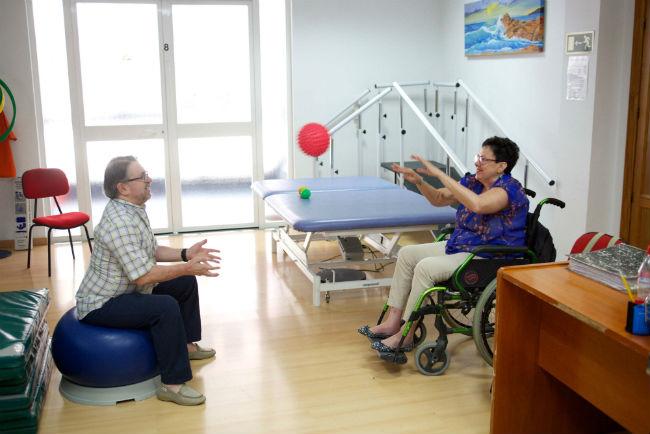prop-de-68-000-persones-grans-o-que-pateixen-discapacitat-o-malaltia-seran-les-beneficiaries-dels-ajuts-que-l-obra-social-la