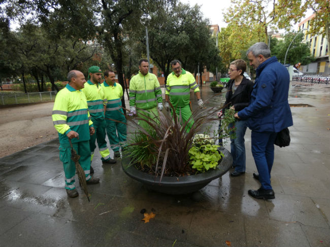 jaume collboni visita manteniment jardineres barcelona