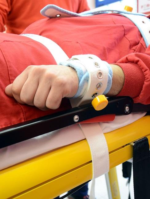 violencia atencio sanitària contenció mecànica