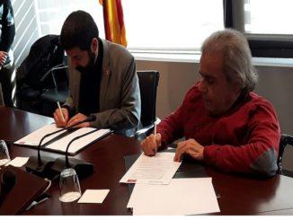 Foto acte signatura acord Treball_COCARMI pla xoc inserció laboral discapacitat