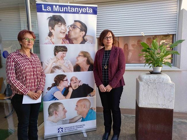 Els treballadors d'ASESA fan un donatiu a La Muntanyeta a benefici de les persones amb discapacitat intel·lectual