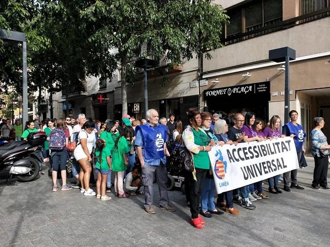 Més de 200 persones participen a la 4a marxa solidària de Sumem per reivindicar l'accessibilitat universal