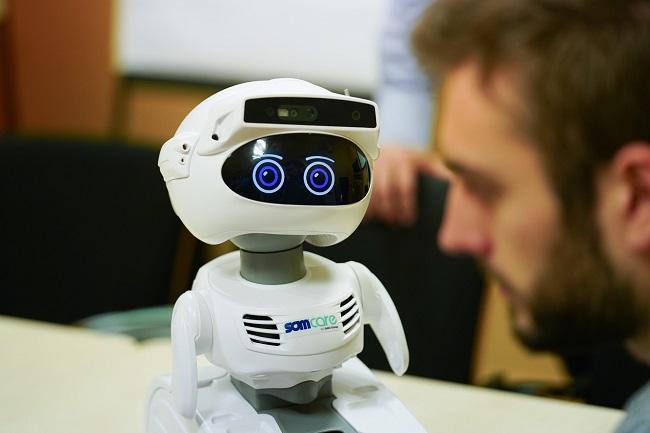 barcelona robot social mystic atenció gent gran