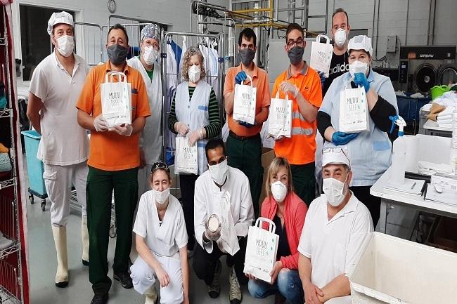 La Fundació MAP entrega 270 formatges solidaris al personal de l'Hospital Comarcal de Campdevànol
