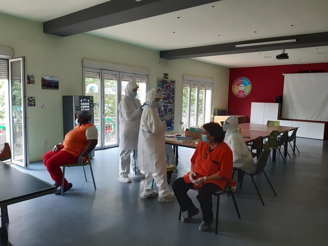 residents professionals residències grup alba proves pcr