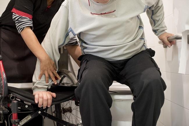 persona en cadira rodes decret assitencia personal