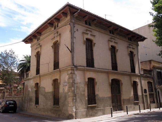 Foto-casa-Berch-i-Galtés-nou-centre-de-dia-Fundació-Pinnae_exterior-1024x768